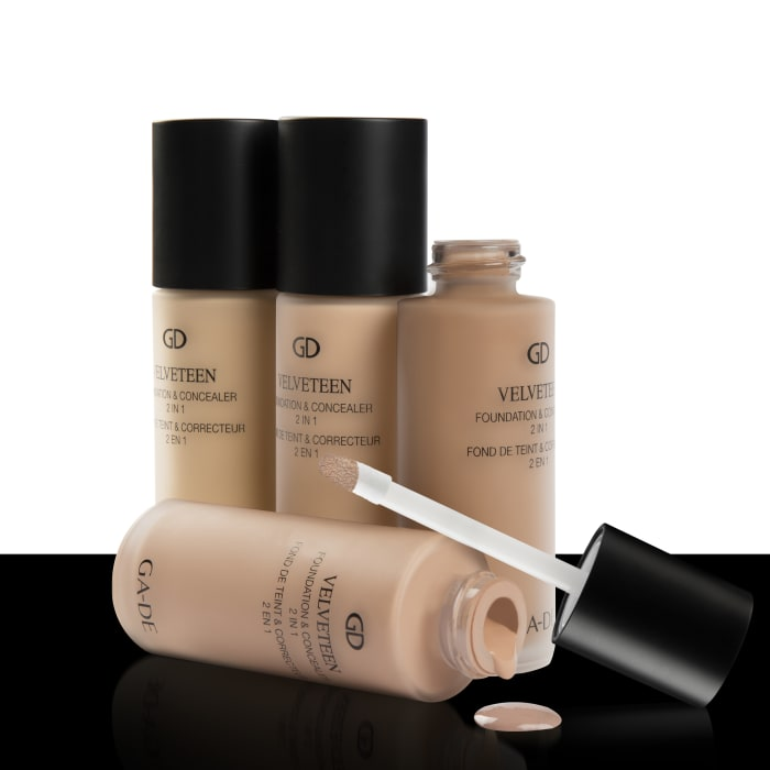 "Velveteen Foundation & Concealer של ג'ייד (יח""צ)"