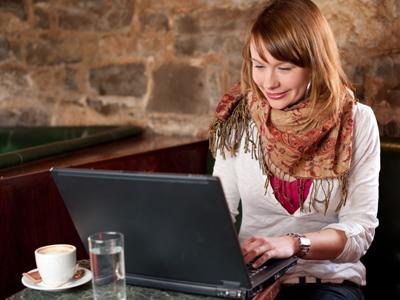 עם מנוי לבית קפה תוכלו ללמוד שעות (צ-shutterstock)