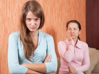 ההורים לא מרוצים (צ'-shutterstock)