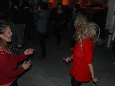 רוקדות גם בטרנינג (צ' - הדס אגלמז ונופרי פלדמן)