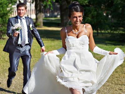 כשכולם סביבכם מתחתנים, לא תרצו למצוא אהבה? (צ'-shutterstock)