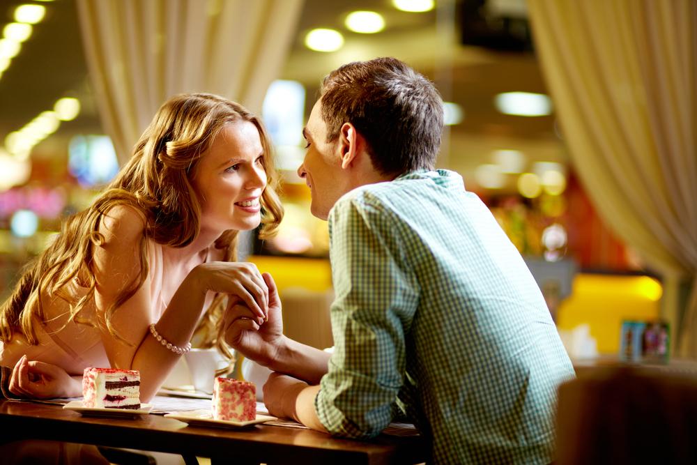 דייטים רומנטיים וחסכוניים (צ'- Shutterstock)