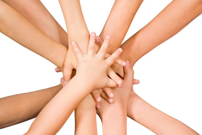 עוזרים לקהילה ומקבלים בחזרה  (צ' - shutterstock)