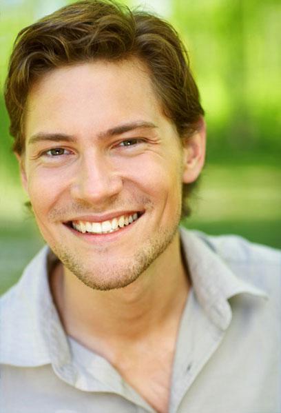 חיוך מזמין ומעיד על פתיחות (צ'- shutterstock)