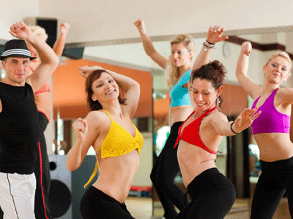 חולמים להיכנס למועדון הריקוד של מוסד הלימוד (צ'- shutterstock)