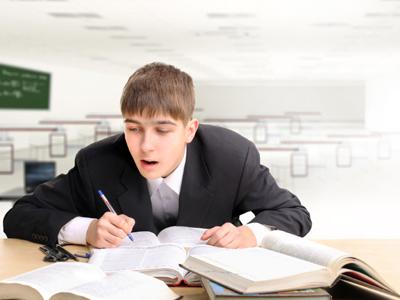 היכונו למבחן TOEFL (צ'-shutterstock)