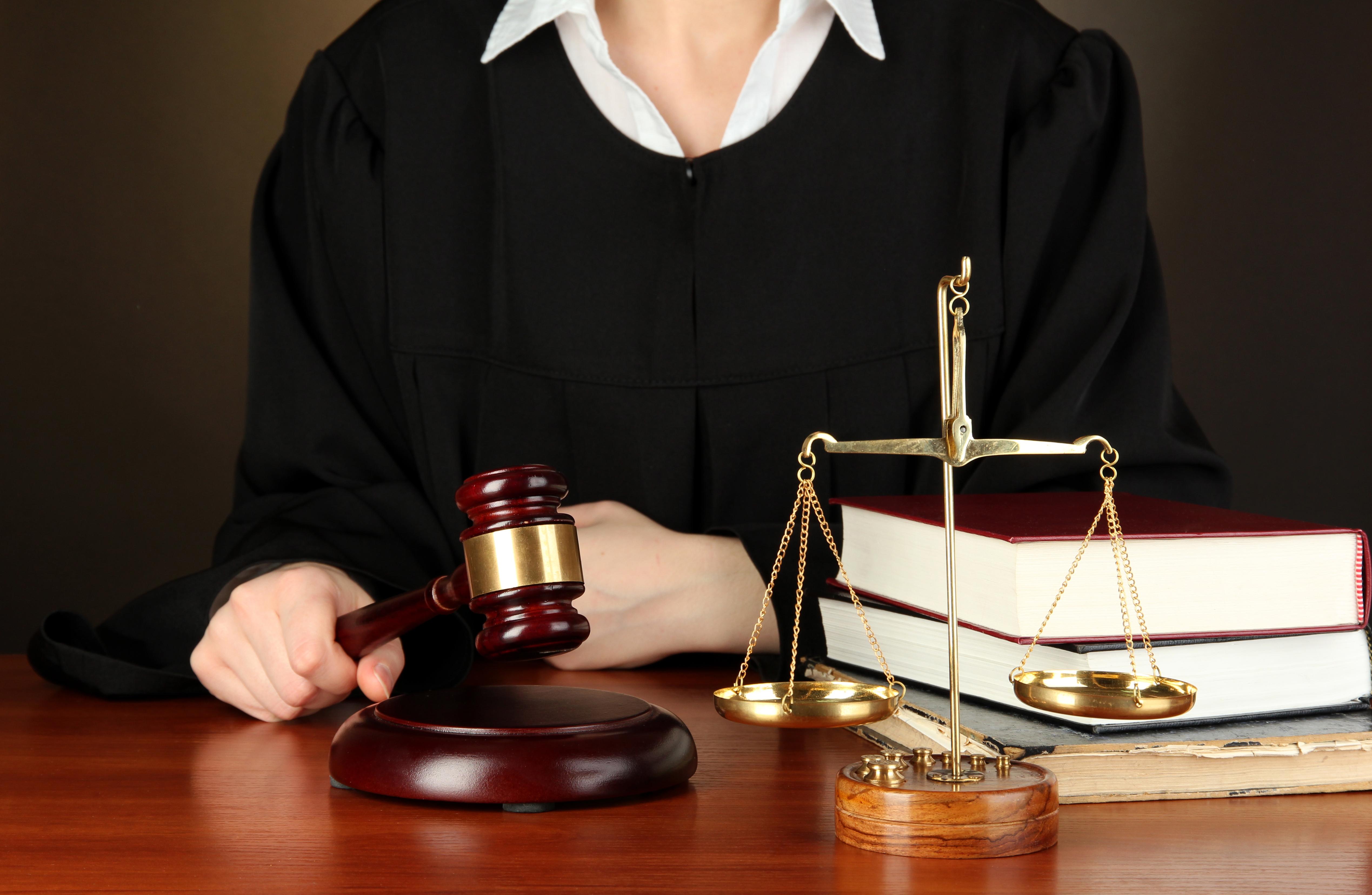 לקחת את החוק לידיים, התמחות במשפט פלילי וקרימינולוגי (צילום: Shutterstock)