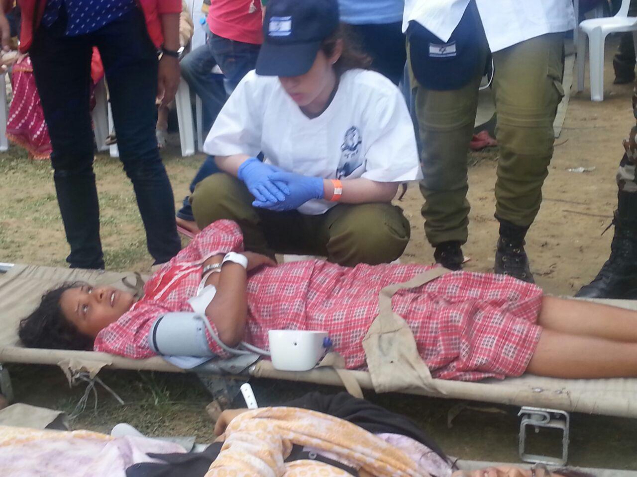 לא נשארים אדישים, סיוע ישראלי בקטמנדו (צ'-מערכת וואלה)