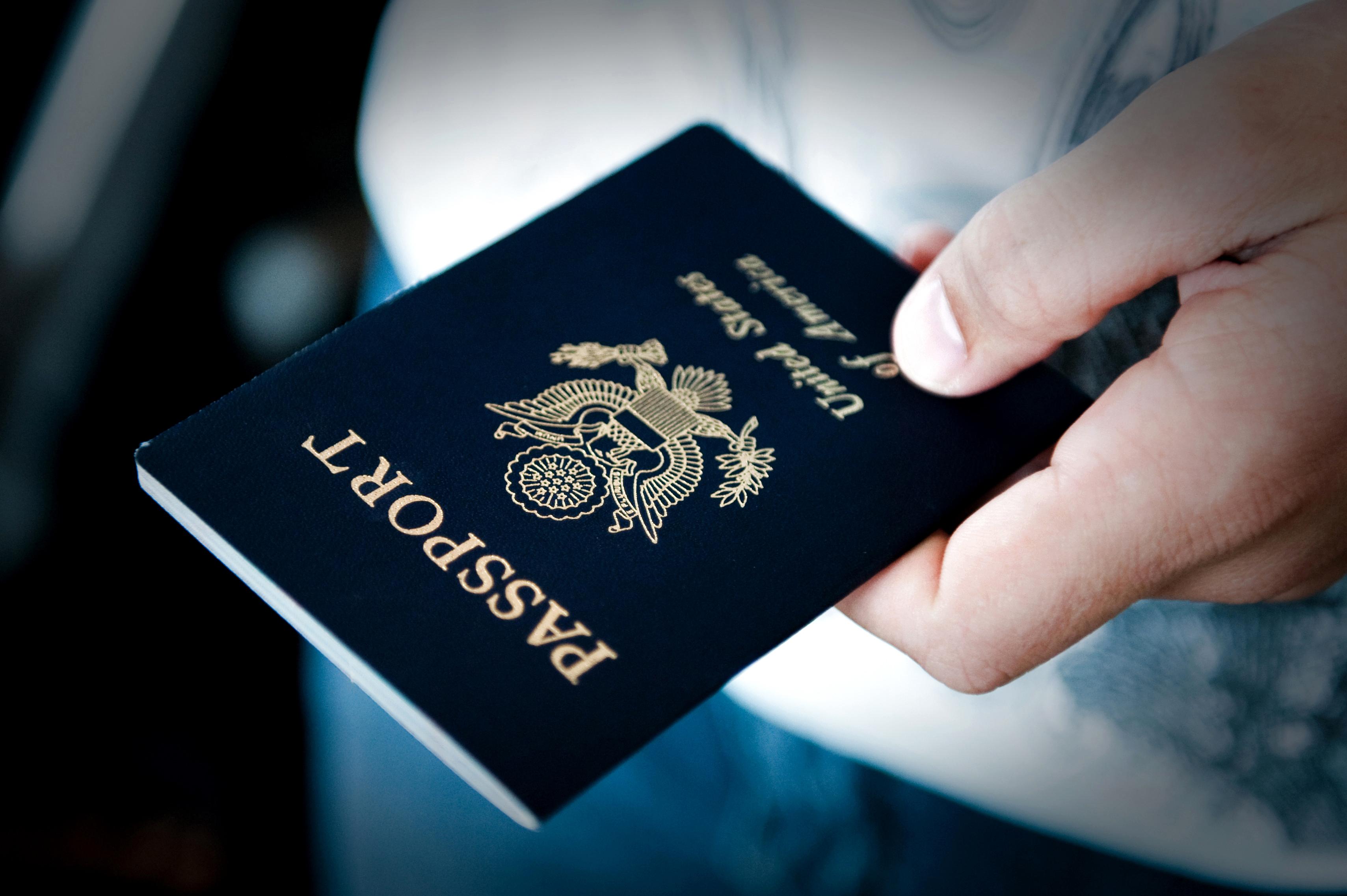 """מחזיקים בדרכון זר? נקודת הפתיחה שלכם ללימודים בחו""""ל מוצלחת בצורה משמעותית (צ'-shutterstock)"""