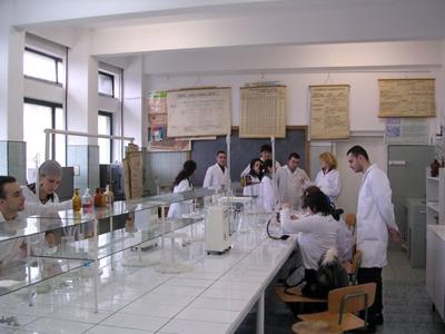 לימודי רפואה ברומניה. שם אין מגבלת גיל (צ-קמפוס)