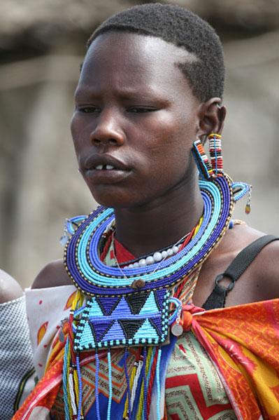 צעירה באפריקה. ב-Ucla תוכלו ללמוד לנהל שיחת חולין אפריקנית. (ShutterStock)