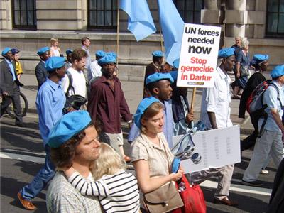 הפגנה בלונדון למען התערבות האו''ם בדרפור (SutterStock)