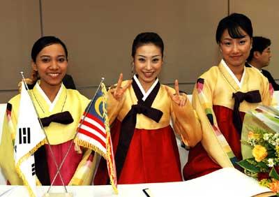 בלבוש מסורתי. הקוריאנים שמים דגש על לימודים גבוהים. (ShutterStock)