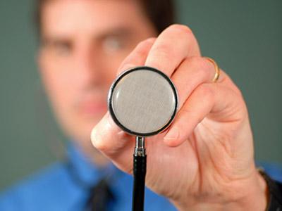 מסקנה: הכי טוב ללכת לרופא החל מהשעה 9 (צ' - Shutterstock)