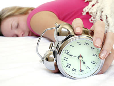 יש אנשים שזה עושה להם טוב לקום ב- 7 בבוקר (צ' - Shutterstock)