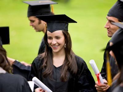 במוקדם או במאוחר, כולם רוצים תואר אקדמי (צ'-shutterstock)