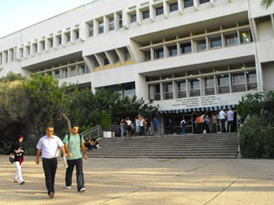 """ירידה בסך הסטודנטים בשנת תשע""""ה, אוניברסיטת תל אביב (צ'- יורם לימודים)"""