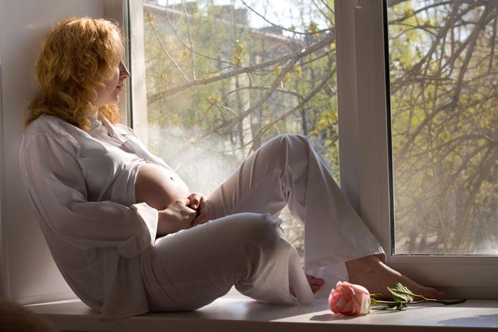רווקות בהיריון מושעות מהלימודים (צ'- Shutterstock)