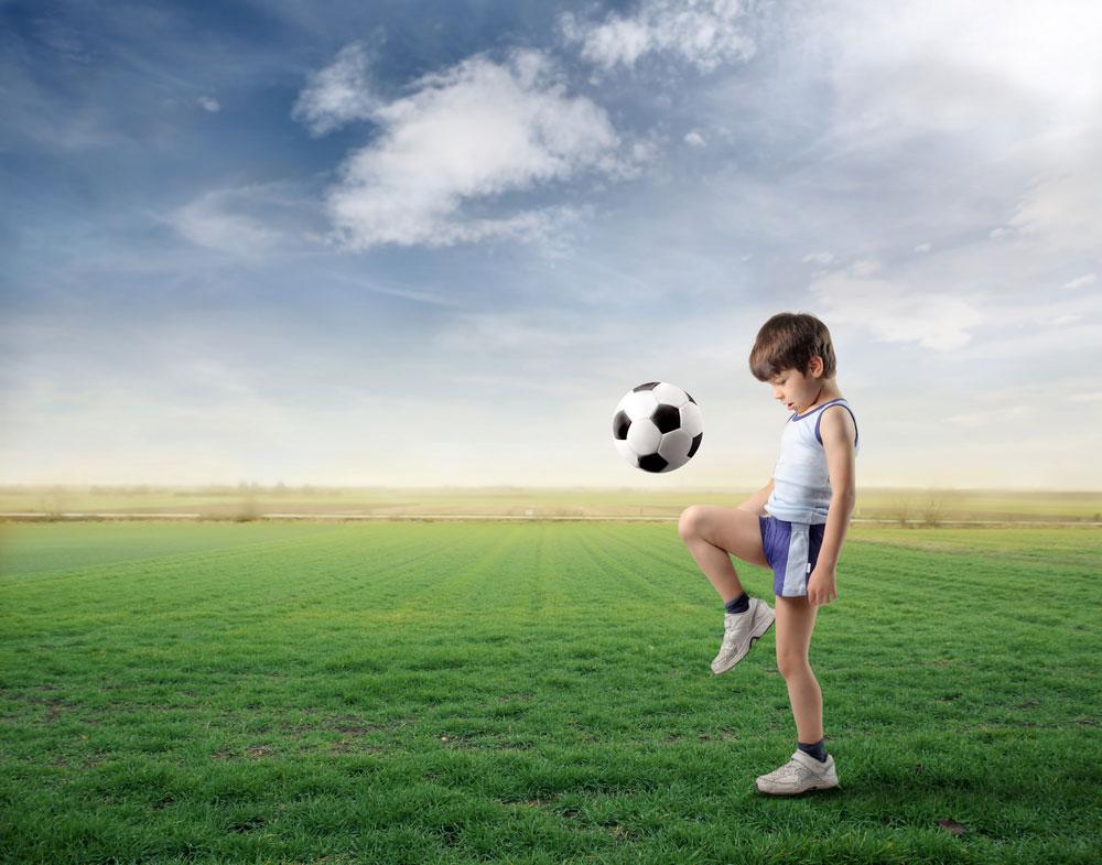 """""""אחד התפקידים החשובים של המחנך הוא ללמד את הילד לחיות אורך חיים פעיל כדי שהילד יהיה בריא ויתנהל כמו שצריך"""" (צילום: shuttrstock)"""