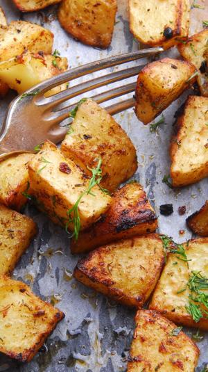 תפוחי אדמה בתנור. ShutterStock