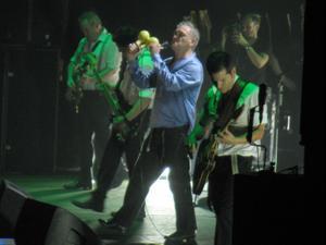 מוריסי בהופעה במנצ'סטר. עמית סלונים, מערכת וואלה!