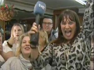 כתבת זוכה בלוטו ומתפטרת בשידור חי. TVE, צילום מסך