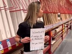 מחפשת דייט בחנות כלי עבודה. TikTok / @__leesh___, צילום מסך