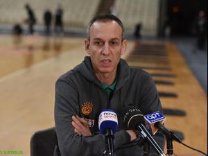 עודד קטש מוצג כמאמן פנאתינייקוס. באדיבות האתר הרשמי של פנאתינייקוס, אתר רשמי