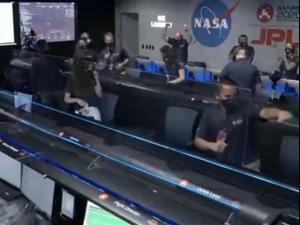 """אחרי שבעה חודשי מסע: גשושית של נאס""""א נחתה במאדים 18.02.21. רויטרס"""