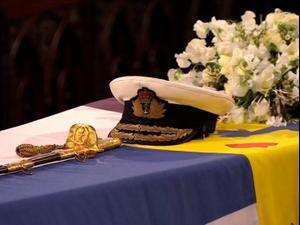 ארונו של הנסיך פיליפ בהלוויתו בטירת וינדזור 17.04.21. רויטרס