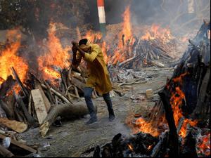 שיא עצוב בהודו: יותר מ-200 אלף מתים מקורונה  28.4.21. רויטרס