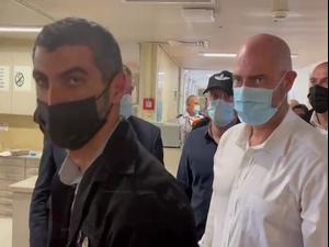 """השר לביטחון פנים ביקר בביה""""ח זיו וסירב להשיב לשאלות עיתונאים: """"בזמן ובמקום הנכון""""  30.4.21. יואב איתיאל"""