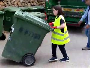 גולן שיינפיין בן ה-10 הגשים חלום: לעבוד כפועל משאית זבל  4.5.21. באדיבות המצולמים