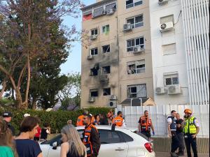 בית המשפחה שנפגע ישירות מרקטה באשקלון, 11 במאי 2021. שי מכלוף