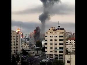 צהל התקיף מבנים של המשטרה הפלסטינית בעזה וחאן יונס_12.05.21_מלא 12.05.21. מערכת וואלה!, אתר רשמי