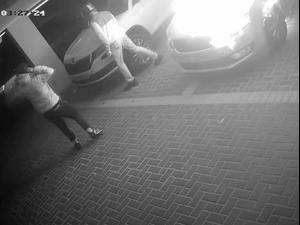 תיעוד הצתת מכונית בחניון בניין ברחוב אהבת ישראל בחיפה 13.5.21. תיעוד ברשתות חברתיות לפי סעיף 27 א' לחוק היוצרים, צילום מסך