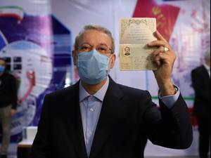 עלי לריג'אני מגיש את מועמדותו לבחירות לנשיאות איראן, 15 במאי 2021. רויטרס