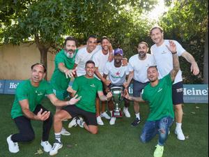 כוכבי כדורגל עם פרנצ'סקו טוטי. שוקה כהן,