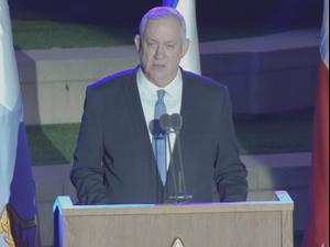 """נאומים של גנץ וכוכבי בטקס אות המערכה ללחימה בלבנון. דובר צה""""ל"""