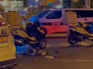 """זירת התאונה בה נהרגה רוכבת אופניים כבת 30, 19 ביוני, 2021. יששכר ויס, מד""""א"""