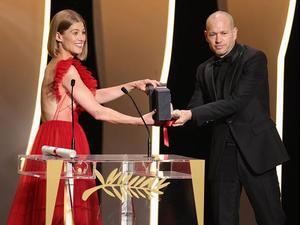 נדב לפיד מקבל את הפרס בקאן. אנדריאס רנץ, GettyImages