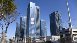 בניינים בפתח תקווה  רחוב   זבוטינסקי 22 באפריל 2021. ראובן קסטרו