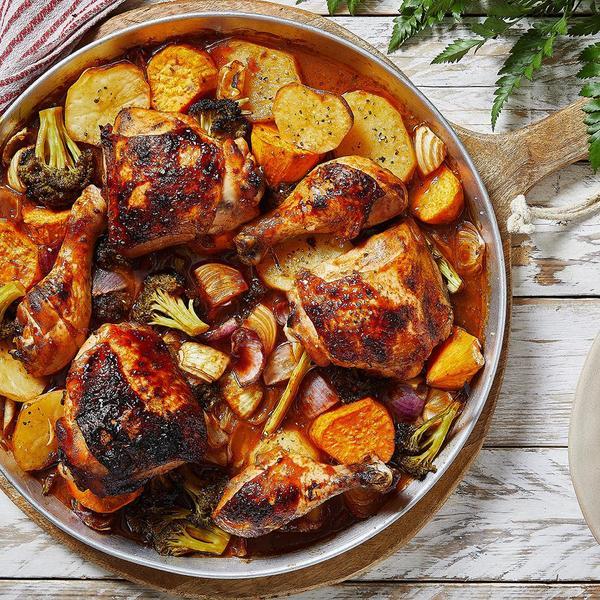 יונית צוקרמן ארוחת חג אסם. צילום: אפיק גבאי, סטיילינג: קינן בסל,