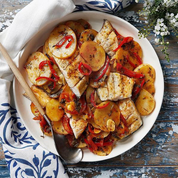 """פילה ברמונדי עם תפוחי אדמה בתנור בנוסח מרוקאי. יח""""צ,"""