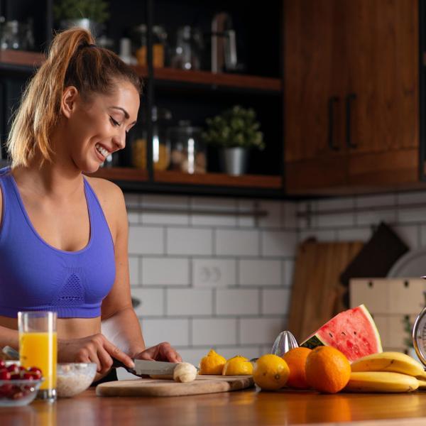 ספורטאית ארוחת בוקר. ShutterStock