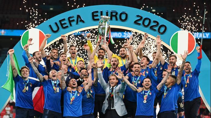 נבחרת איטליה חוגגת זכייה באליפות אירופה, יורו 2020. רויטרס