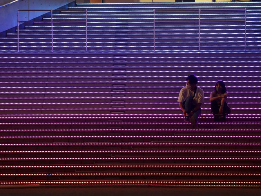 זוג בטוקיו בצל התפשטות הקורונה, אוגוסט 2020. AP