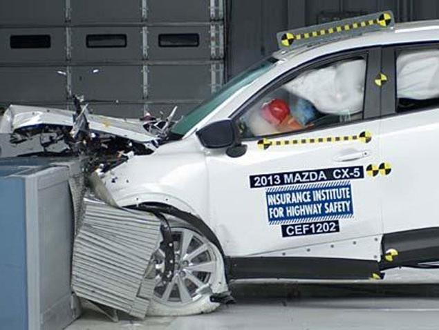 ממבחני ריסוק ועד למערכות חכמות: כך הפכה המכונית לבטוחה יותר