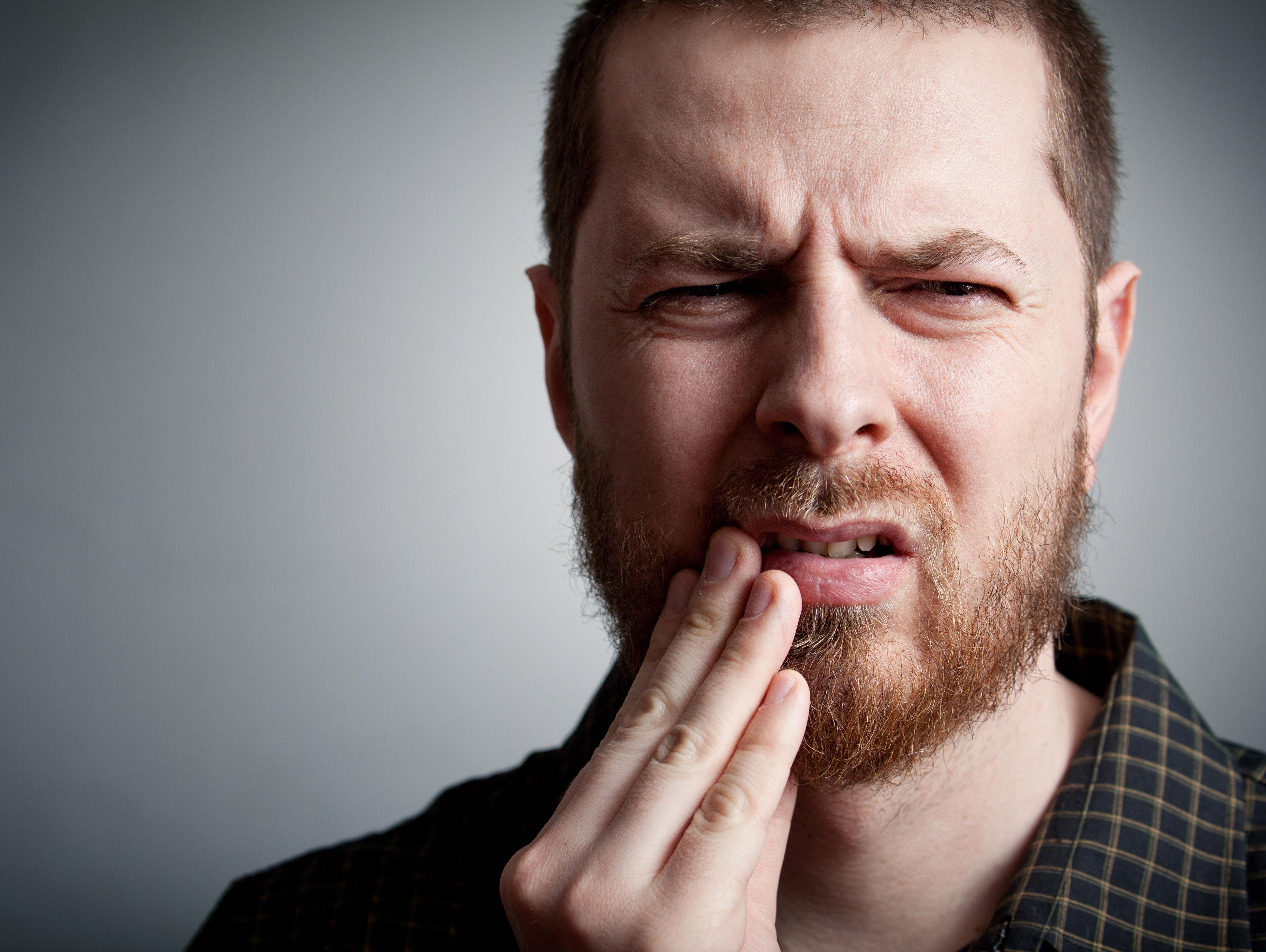 שימו לב: אלה הדברים שעלולים לגרום לכם לאבד שיניים
