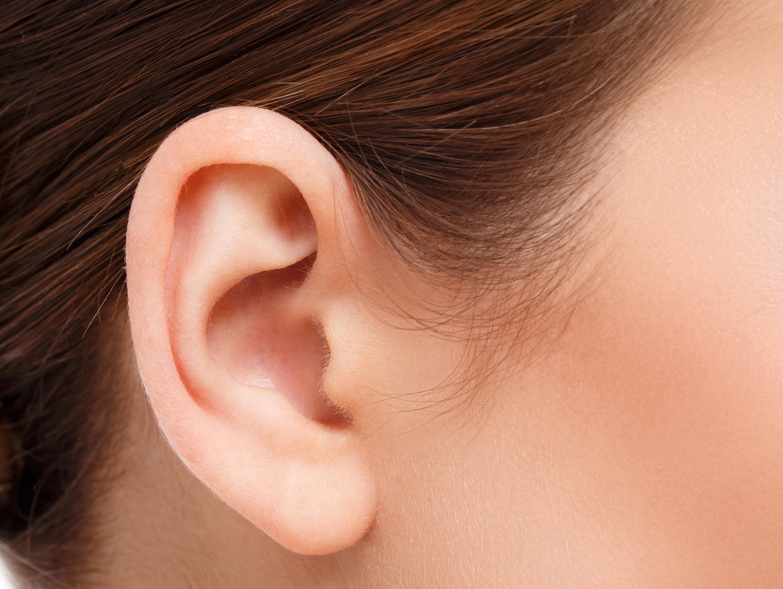 אישה פיתחה מצב רפואי נדיר: לא מסוגלת לשמוע גברים